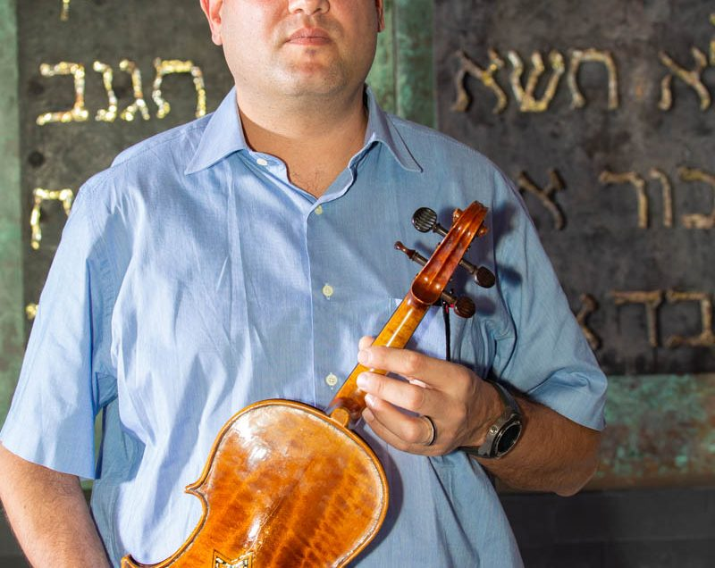Violins of Hope –